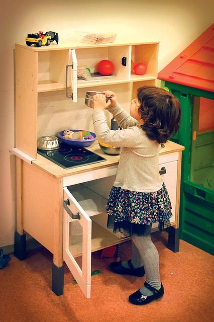 a la maison vous tes le chef comment optimiser une petite cuisine a la maison vous tes. Black Bedroom Furniture Sets. Home Design Ideas